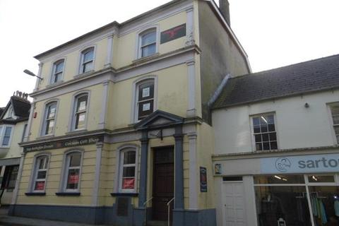 Property to rent - The Old Post Office, 9 West Street, Fishguard