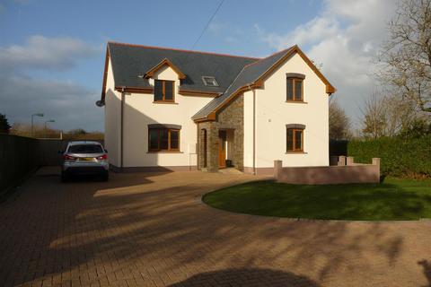 4 bedroom detached house for sale - The Hawthorns, Panteg, Manorowen, Fishguard