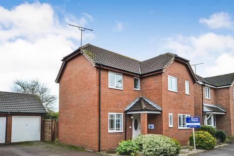 3 bedroom detached house for sale - Leslie Park, Burnham-on-Crouch
