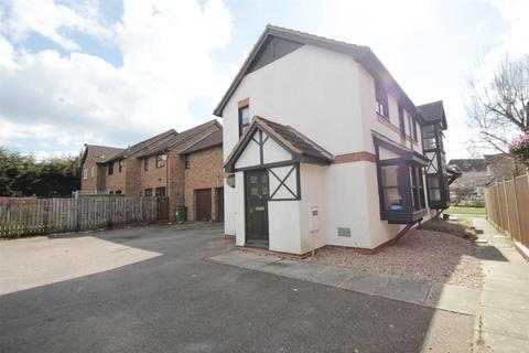 Studio to rent - Tatling Grove, Walnut Tree, Milton Keynes
