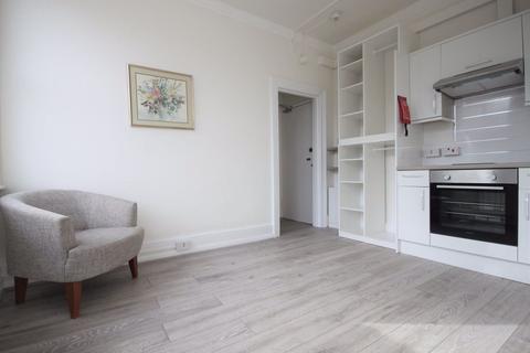 Studio to rent - Studio Flat on Torrington Park, N12