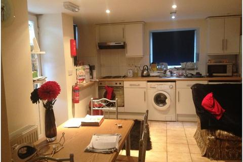 2 bedroom property to rent - 14 Brandreth Close, Sheffield