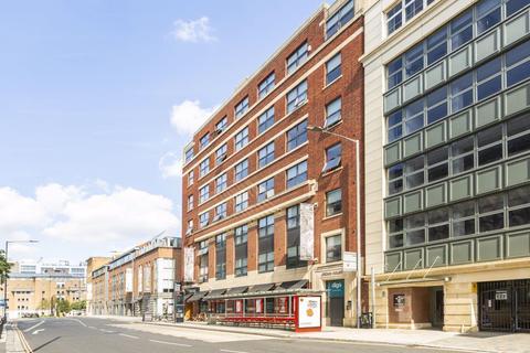 Studio to rent - Crown House, City Centre