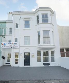 2 bedroom apartment for sale - Sandgate Road, Folkestone