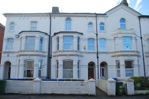1 bedroom terraced house for sale - Princes Avenue, Withernsea