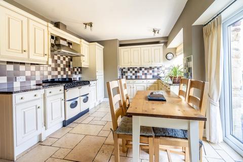5 bedroom detached house for sale - Malton Road, York