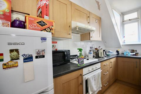 2 bedroom flat to rent - York Road, Winchmore Hill, London N21