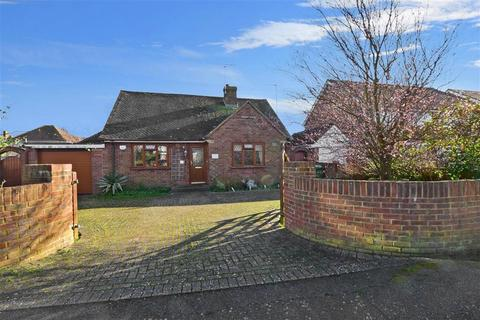 2 bedroom detached bungalow for sale - St. Johns Road, New Romney, Kent