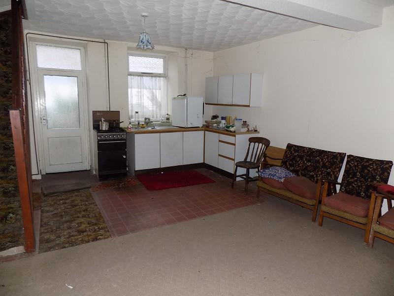 Basement Kitchen/Diner