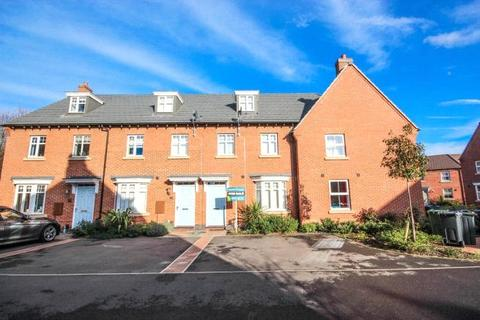 3 bedroom house - Crowson Drive, Quorn, Leicestershire, LE12