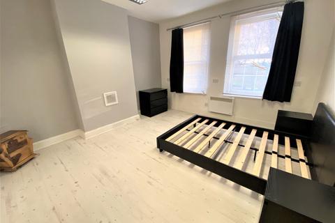 2 bedroom flat to rent - Widmore Road, Bromley, Kent, BR1