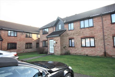 1 bedroom flat for sale - Godwin Close, Chingford E4
