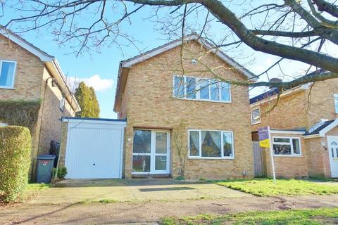 4 bedroom detached house to rent - Heatherset Way, Red Lodge - Spacious property!