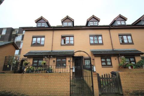 3 bedroom terraced house for sale - Libra Road, Bow, E3