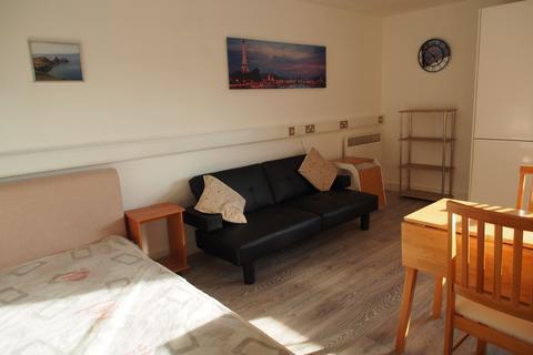 Studio to rent - Ty John Penri, 11 st. helens road, swansea