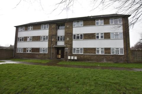 3 bedroom flat for sale - Main Street, Hanworth, Middlesex, TW13