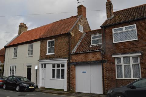 3 bedroom terraced house to rent - Lairgate, Beverley, Yorkshire, HU17
