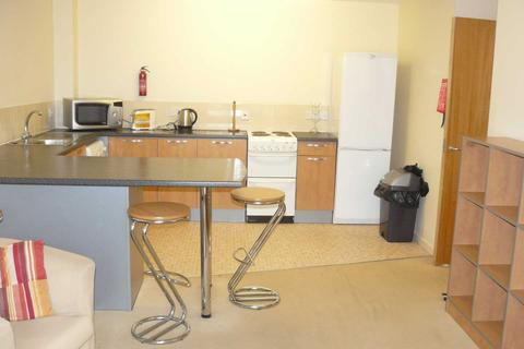 2 bedroom apartment to rent - Crown Station Place, Liverpool
