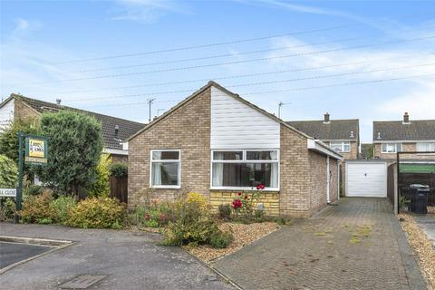 2 bedroom detached bungalow for sale - Orwell Close, Bedford