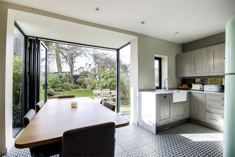 2 bedroom flat for sale - Windermere Road, Muswell Hill, London