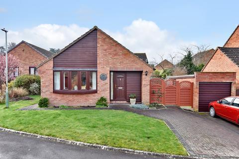 2 bedroom detached bungalow for sale - Cheyney Walk, Westbury