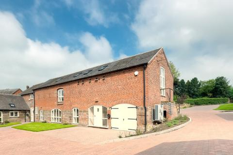 4 bedroom barn conversion to rent - Walford, Standon, Stafford