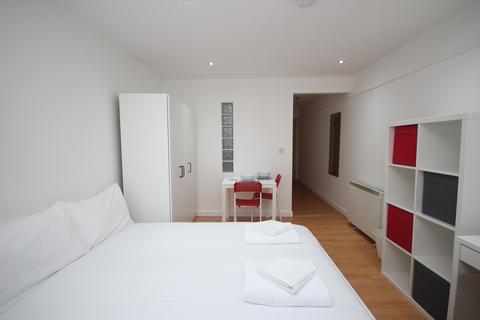 Studio to rent - Central Park Towers, Plymouth