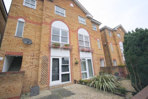 1 bedroom ground floor flat to rent - East Road, Kingston Upon Thames, KT2