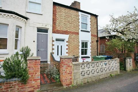 4 bedroom semi-detached house to rent - Temple Street, Oxford, OX4 1JS