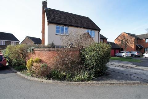 3 bedroom detached house for sale - High Mead, Royal Wootton Bassett