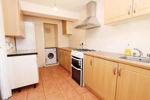 2 bedroom flat for sale - Gurnell Grove, London