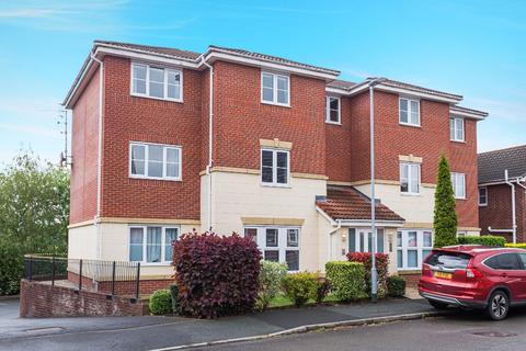 2 bedroom flat for sale - Chillington Way, Norton le Moors, Stoke-on-Trent, ST6 8GJ