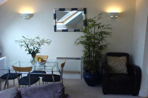 2 bedroom flat to rent - The Grand, Westgate Street, Cardiff