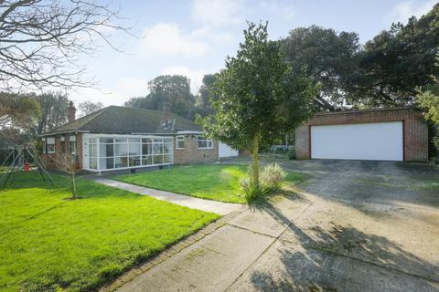 4 bedroom detached bungalow for sale - Woodland Way, Broadstairs