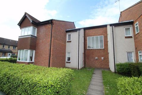 Studio to rent - Lowdell Close, West Drayton, Middlesex