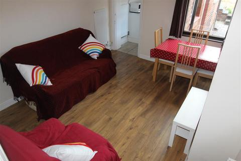 3 bedroom terraced house to rent - Colchester Street, Coventry