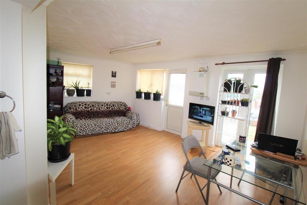 Living room penninne avenue .jpg