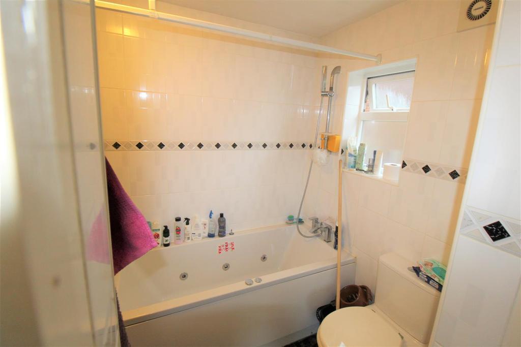 Bathroom penninne ave.jpg