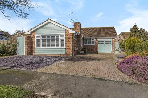 3 bedroom detached bungalow for sale - Belgrave Crescent, Seaford