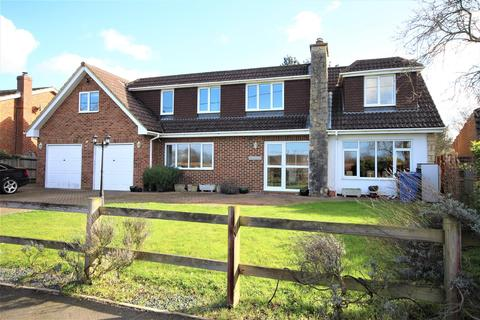 5 bedroom detached house for sale - School Road, Waltham St. Lawrence, Reading