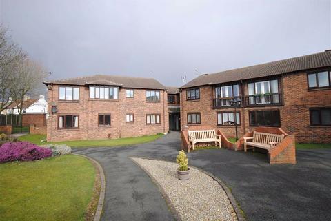 1 bedroom apartment for sale - Woodlands Court, Kippax, Leeds, LS25