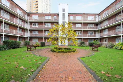 2 bedroom flat to rent - Rosemont Court, Rosemont Road, ACTON, W3