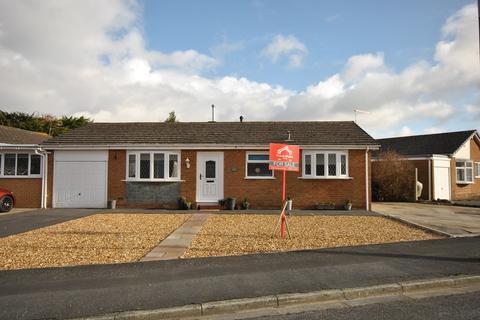 2 bedroom detached bungalow for sale - Holcroft Place, Lytham , FY8