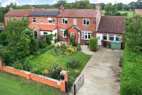 3 bedroom end of terrace house for sale - Breck Street Lane, Seaton Ross, YO42 4NH