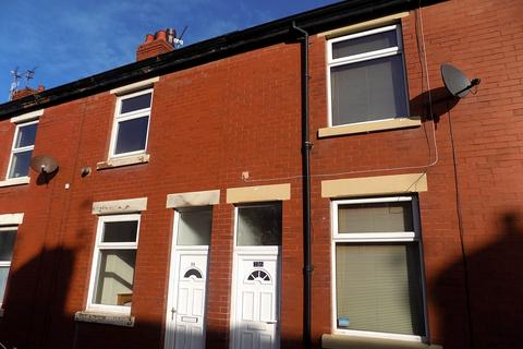 2 bedroom terraced house to rent - Broughton Avenue, Blackpool FY3