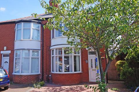 3 bedroom semi-detached house for sale - Dunelt Road Blackpool