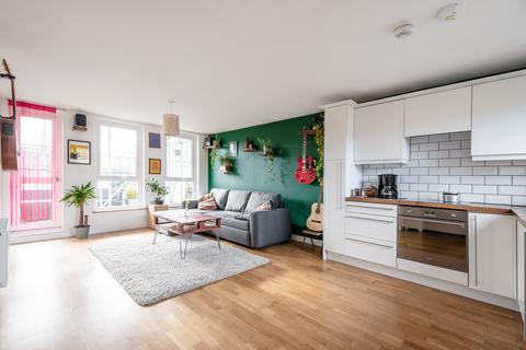 1 bedroom flat for sale - Broke Walk, Hackney, London E8