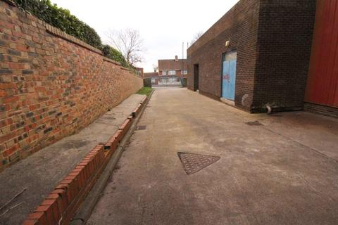 Garage to rent - Business Centre, Whickham View, Benwell