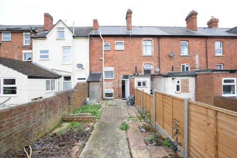 4 bedroom terraced house to rent - Addington Road,  Reading, RG1