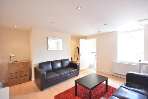 5 bedroom apartment to rent - Hotspur Street, Heaton
